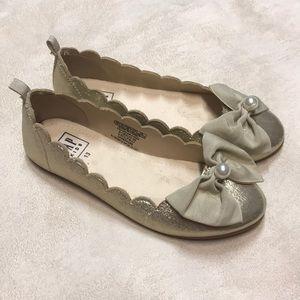 Gap girl's gold dress shoes